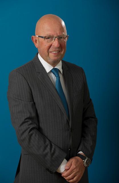 الدكتور ماركوس غيرلي استشاري الجراحة التجميلية، مشفى غيرلي للجراحة التجميلية هيلسينبورغ
